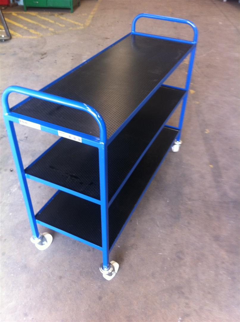 AD-135-2013-03 – Physics and Chemistry Tray Trolleys