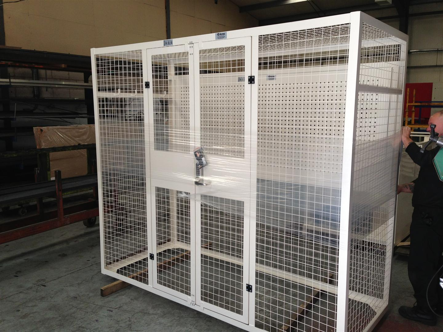 AD-256-2013-09 – Lifting Equipment Storage Cage