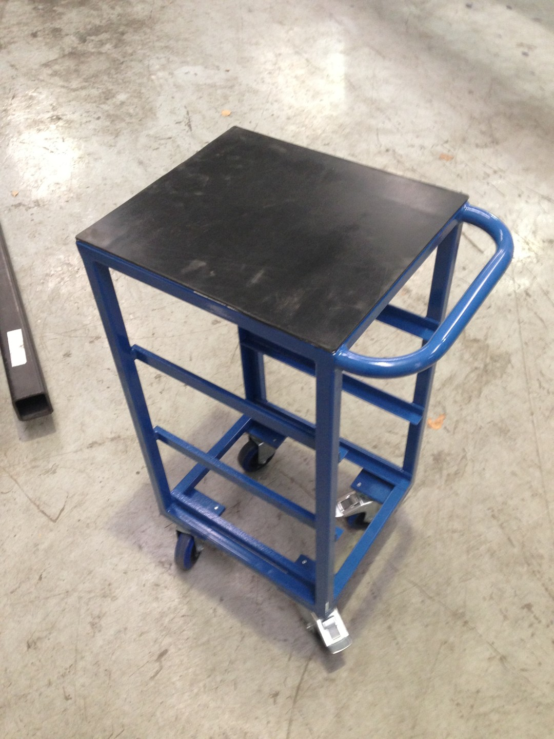 AD151-2013-04 – WIP and Queue Trolley for Cell 1