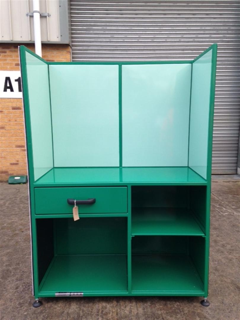 Handover Station with Shadow Boards