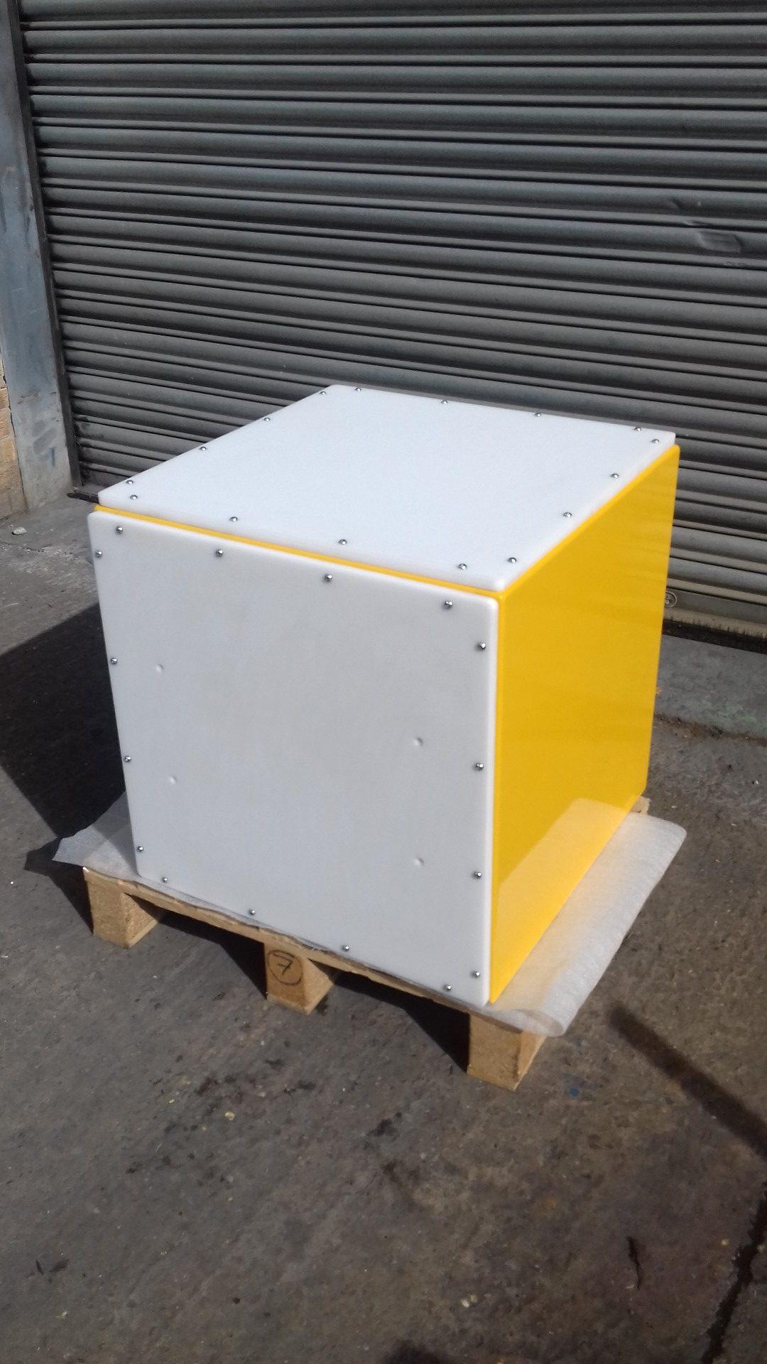 24V Cube